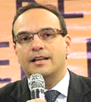 Dr. Alvaro Kalix